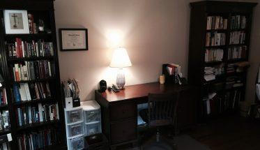 Biurka i regały